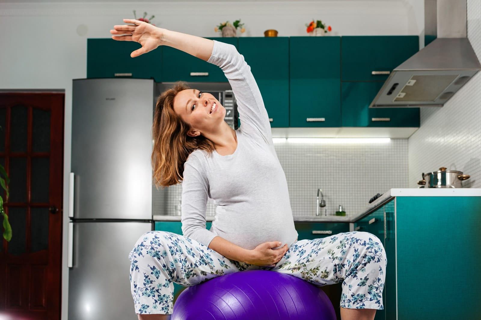 Ballon de grossesse exercices